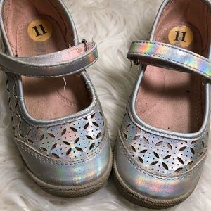 Used little girl shoes